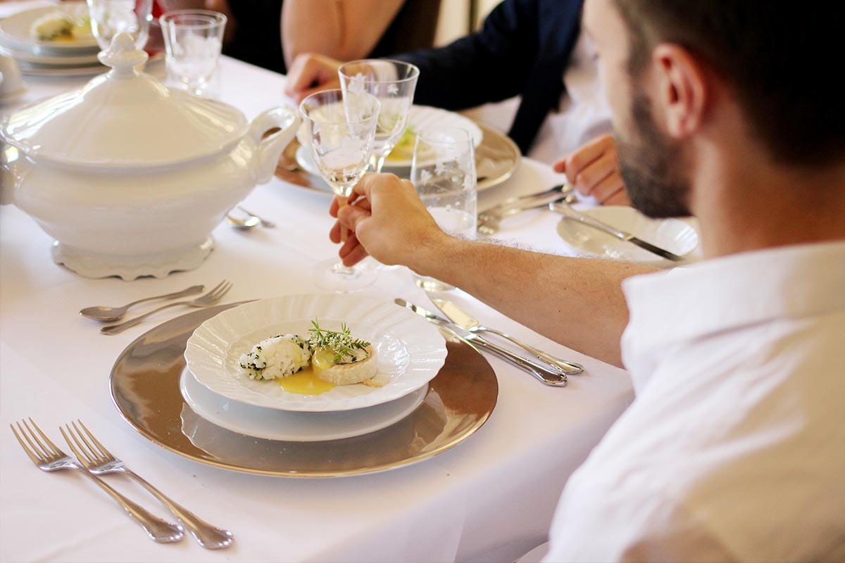header-restaurant-30C508E06-E21C-F8DD-4394-696893F25462.jpg